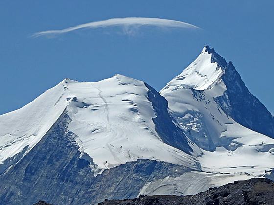 Close-up of the Bishorn and Weisshorn from Meidpass