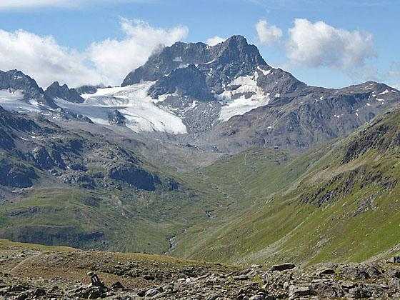 Close-up of Piz Kesch from Sertig Pass