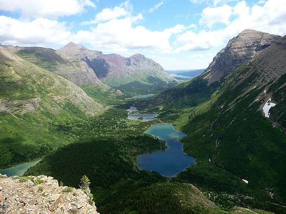 Bullhead Lake and the Swiftcurrent Valley from the trail to Swiftcurrent Pass